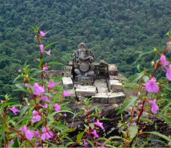 1100 years old dholkal ganesh statue Dantewada in hindi
