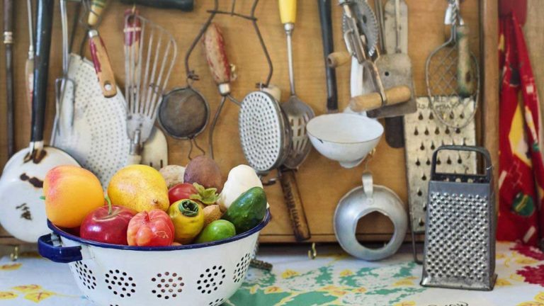 Kitchen items name in hindi and english